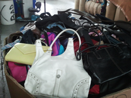 salvage new and return wholesale cred handbags