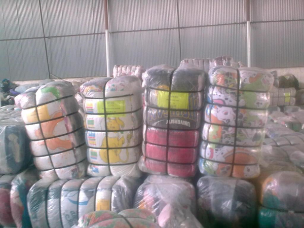 image of wholesale closeout credential domestics linens