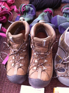 salvage new and return wholesale used work boots ssample